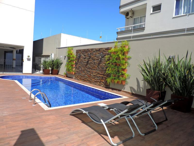 Apartamento-Codigo-175-para-Alugar-na-temporada-no-bairro-Bombas-na-cidade-de-Bombinhas