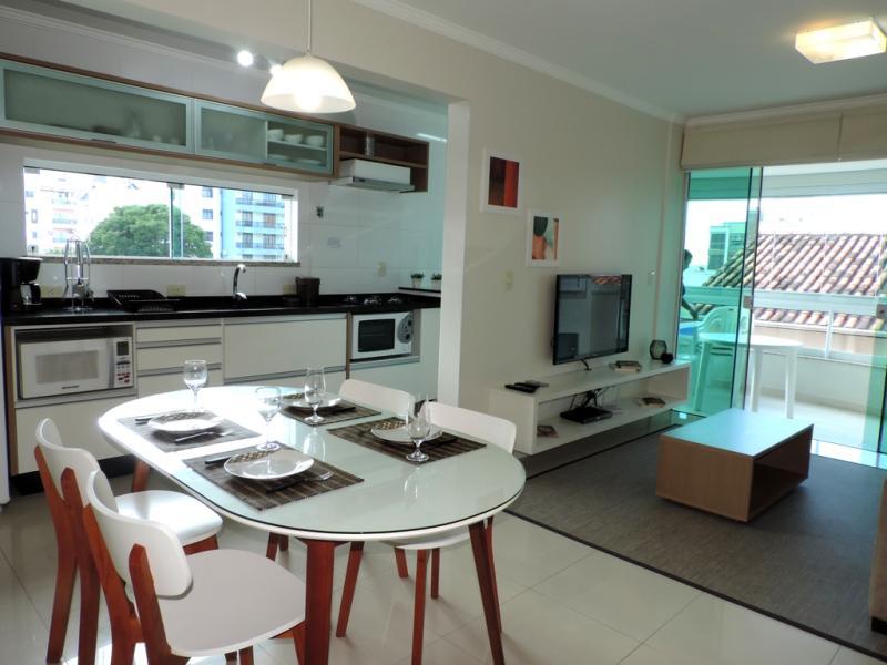 Apartamento-Codigo-276-para-Alugar-na-temporada-no-bairro-Bombas-na-cidade-de-Bombinhas