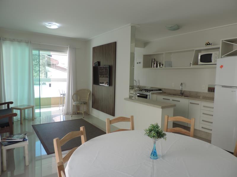 Apartamento-Codigo-287-para-Alugar-na-temporada-no-bairro-Bombas-na-cidade-de-Bombinhas