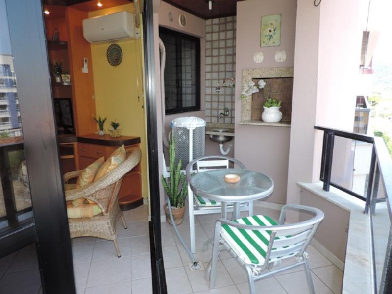 Apartamento-Codigo-304-para-Alugar-na-temporada-no-bairro-Bombas-na-cidade-de-Bombinhas