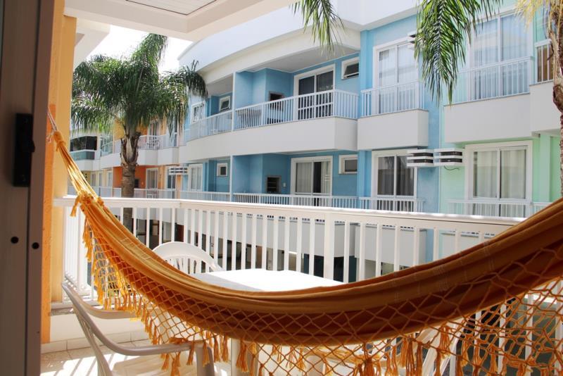 Apartamento-Codigo-375-para-Alugar-na-temporada-no-bairro-Bombas-na-cidade-de-Bombinhas
