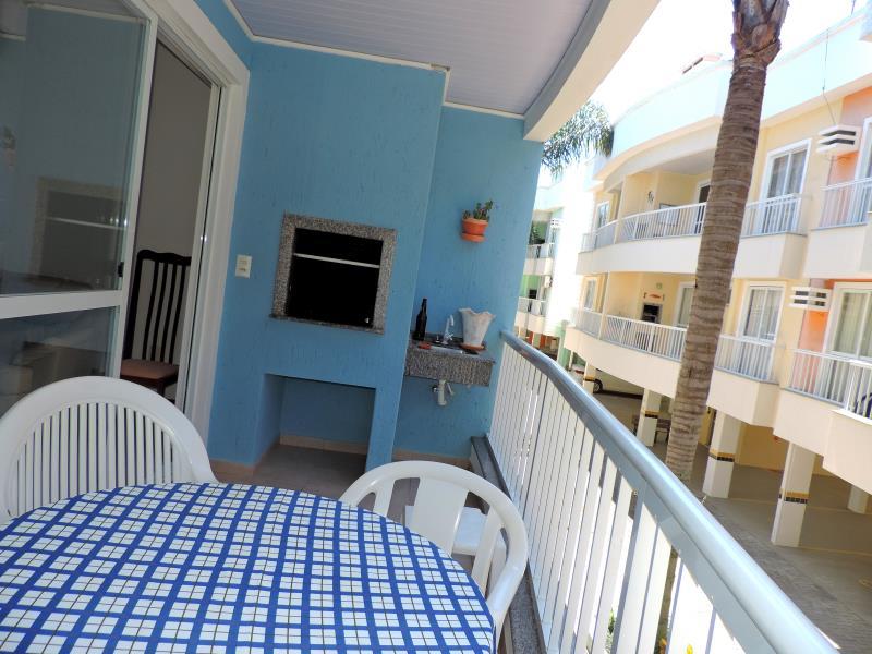 Apartamento-Codigo-388-para-Alugar-na-temporada-no-bairro-Bombas-na-cidade-de-Bombinhas