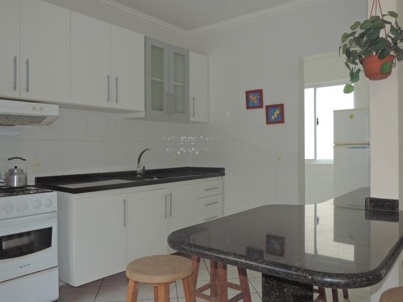 Apartamento-Codigo-489-para-Alugar-na-temporada-no-bairro-Bombas-na-cidade-de-Bombinhas