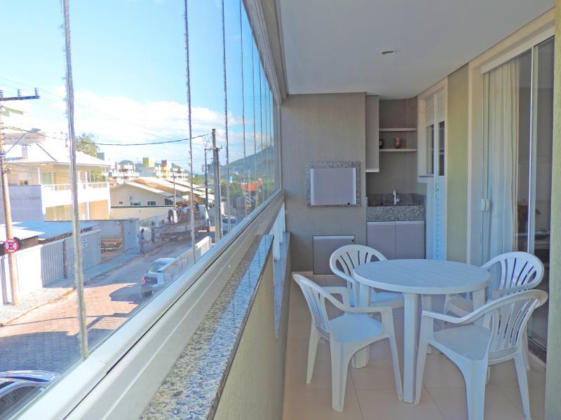 Apartamento-Codigo-493-para-Alugar-na-temporada-no-bairro-Bombas-na-cidade-de-Bombinhas