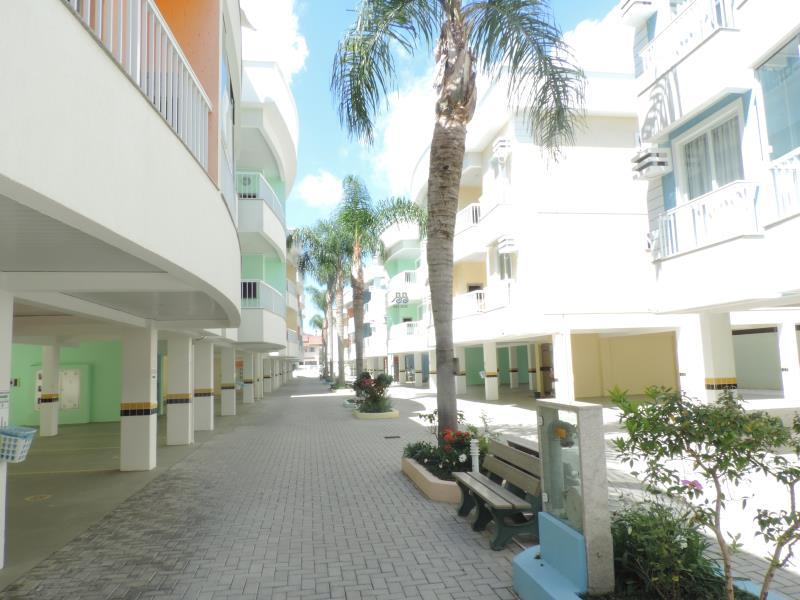 Apartamento-Codigo-495-para-Alugar-na-temporada-no-bairro-Bombas-na-cidade-de-Bombinhas