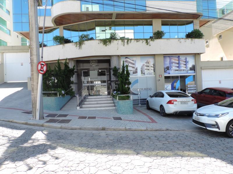 Apartamento-Codigo-497-para-Alugar-na-temporada-no-bairro-Bombas-na-cidade-de-Bombinhas