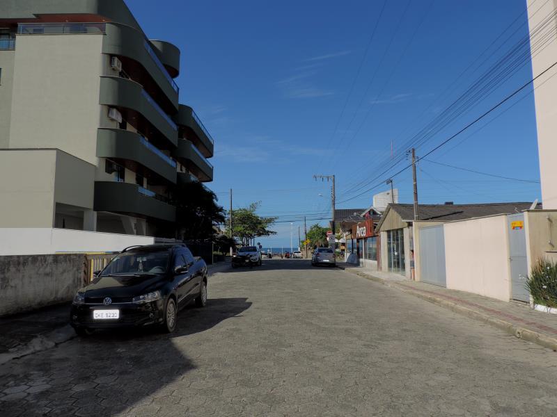 Apartamento-Codigo-511-para-Alugar-na-temporada-no-bairro-Bombas-na-cidade-de-Bombinhas
