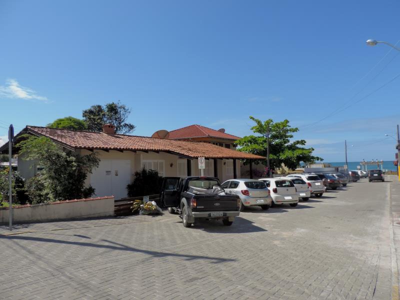Casa-Codigo-540-para-Alugar-na-temporada-no-bairro-Bombas-na-cidade-de-Bombinhas