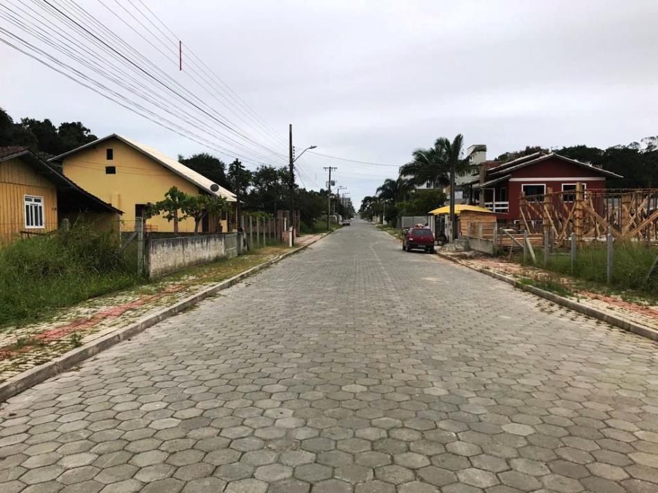Terreno-Codigo-583-a-Venda-no-bairro-Bombas-na-cidade-de-Bombinhas