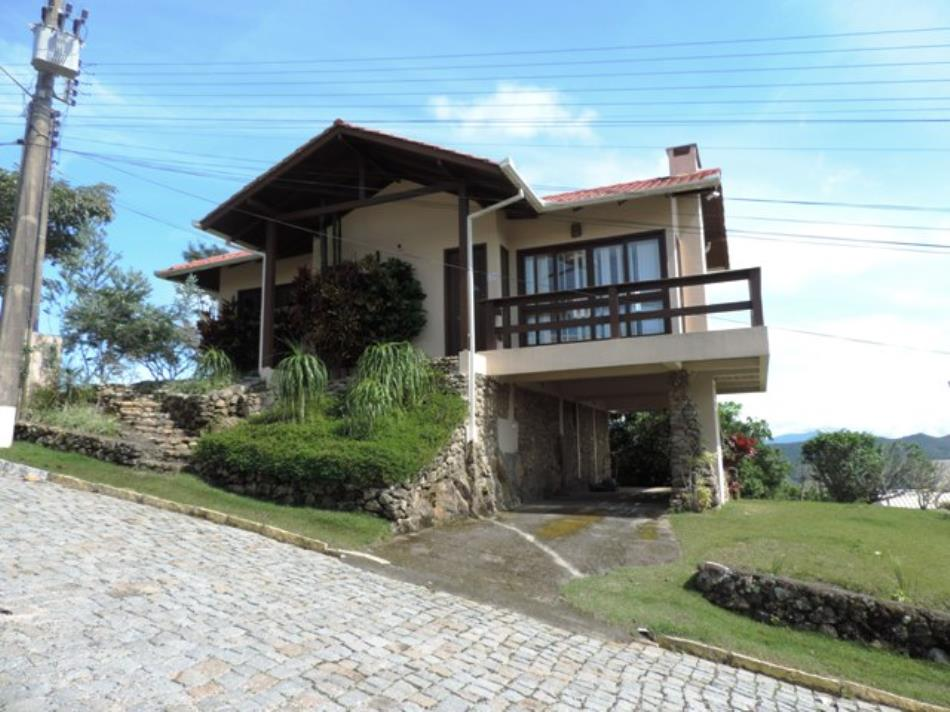 Casa-Codigo-595-a-Venda-no-bairro-Centro-na-cidade-de-Bombinhas