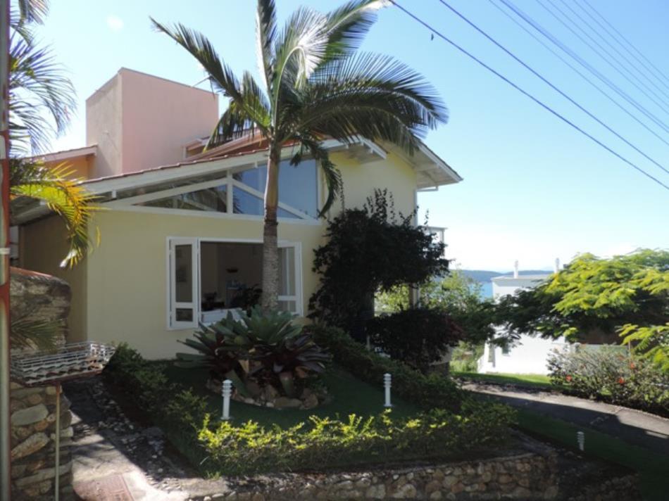 Casa-Codigo-599-a-Venda-no-bairro-Centro-na-cidade-de-Bombinhas