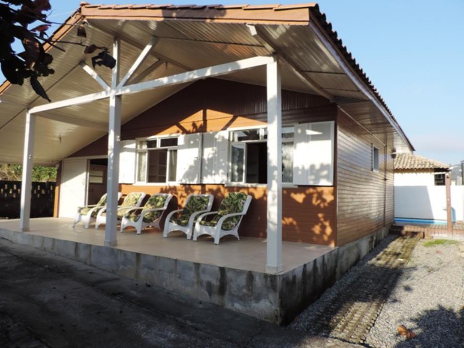 Casa-Codigo-600-a-Venda-no-bairro-Bombas-na-cidade-de-Bombinhas