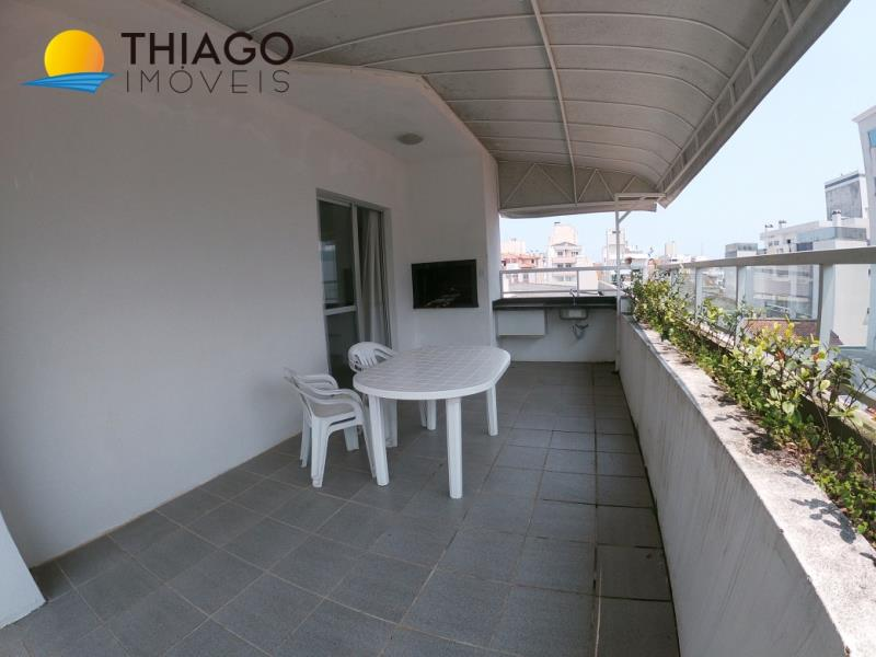 Cobertura com o Código 523301 para alugar na temporada no bairro Canasvieiras na cidade de Florianópolis com 2 dormitorio(s) possui 1 garagem(ns) possui 2 banheiro(s)