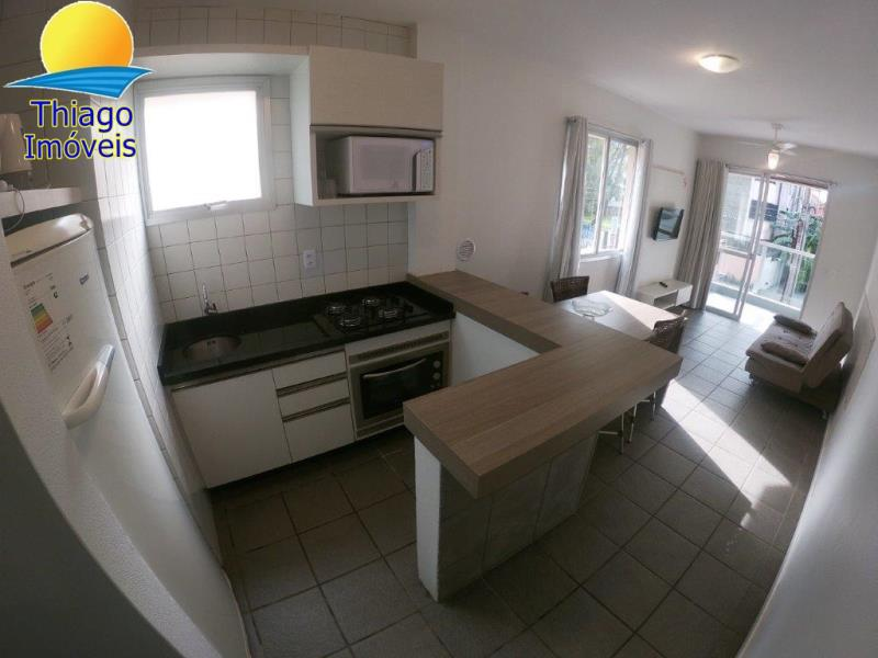 Apartamento com o Código 523202 para alugar na temporada no bairro Canasvieiras na cidade de Florianópolis com 1 dormitorio(s) possui 1 garagem(ns) possui 1 banheiro(s)