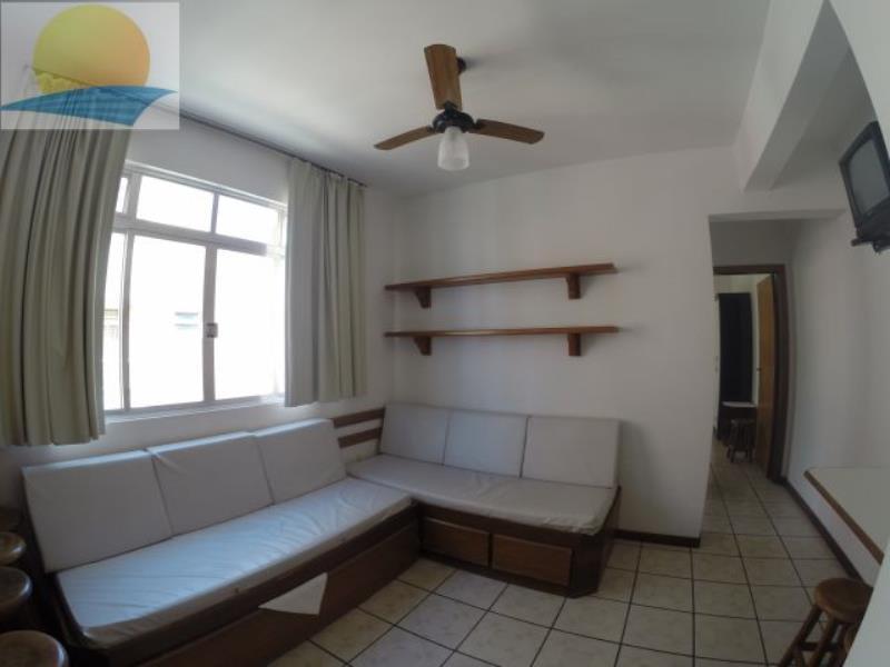 Apartamento com o Código 10013410 para alugar na temporada no bairro Canasvieiras na cidade de Florianópolis com 1 dormitorio(s) possui 1 garagem(ns) possui 1 banheiro(s)