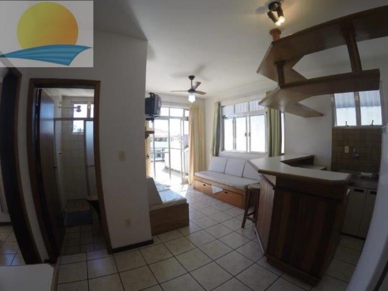 Cobertura com o Código 336301 para alugar na temporada no bairro Canasvieiras na cidade de Florianópolis com 1 dormitorio(s) possui 1 garagem(ns) possui 1 banheiro(s)