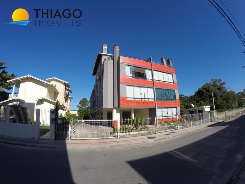 Apartamento com o Código 961 para alugar no bairro Cachoeira do Bom Jesus na cidade de Florianópolis com 1 dormitorio(s) possui 1 garagem(ns) possui 1 banheiro(s)