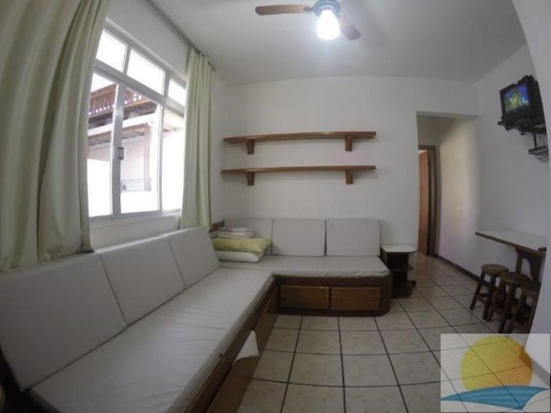 Apartamento com o Código 10013250 para alugar na temporada no bairro Canasvieiras na cidade de Florianópolis com 1 dormitorio(s) possui 1 garagem(ns) possui 1 banheiro(s)