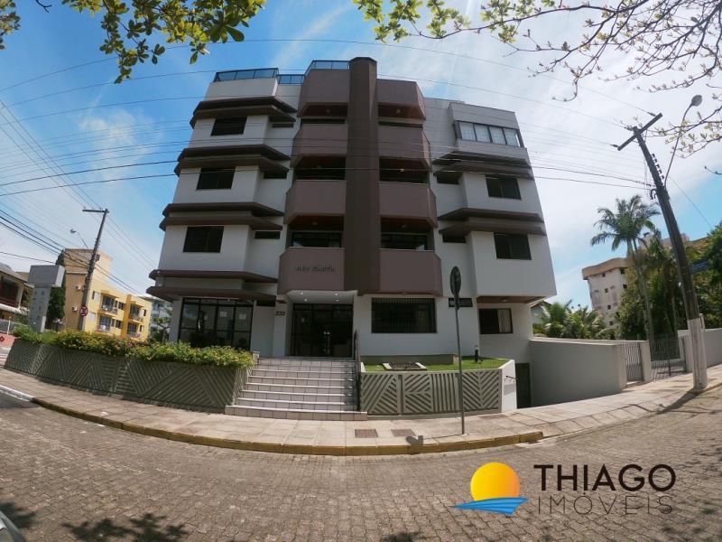 Apartamento com o Código 120910 para alugar na temporada no bairro Canasvieiras na cidade de Florianópolis com 2 dormitorio(s) possui 1 garagem(ns) possui 2 banheiro(s)