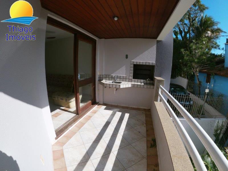 Apartamento com o Código 10007285 para alugar no bairro Canasvieiras na cidade de Florianópolis com 2 dormitorio(s) possui 1 garagem(ns) possui 2 banheiro(s) com área de 86,63 m2