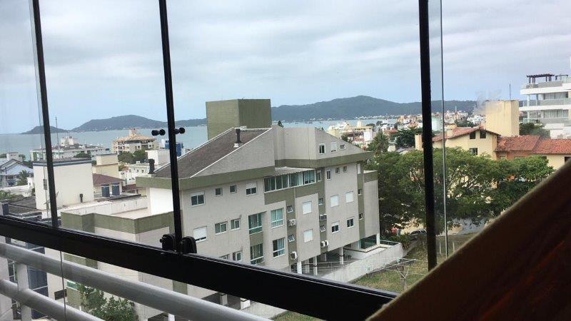 Apartamento com o Código 10007284 à Venda no bairro Canasvieiras na cidade de Florianópolis com 2 dormitorio(s) possui 1 garagem(ns) possui 2 banheiro(s)