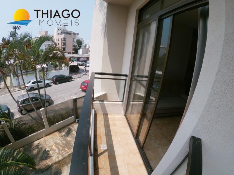 Apartamento com o Código 10006286 para alugar na temporada no bairro Canasvieiras na cidade de Florianópolis com 1 dormitorio(s) possui 1 garagem(ns) possui 1 banheiro(s)