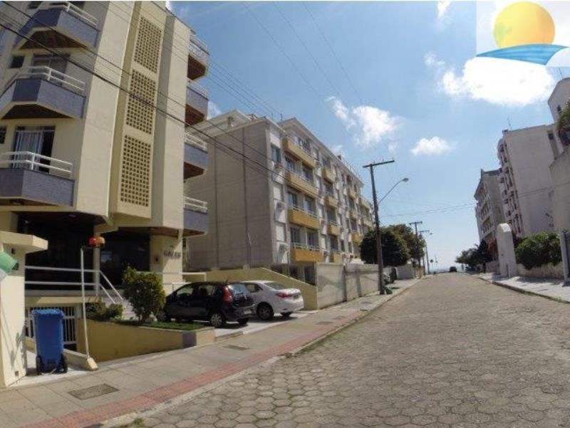 Apartamento com o Código 10007707 para alugar na temporada no bairro Canasvieiras na cidade de Florianópolis com 1 dormitorio(s) possui 1 garagem(ns) possui 1 banheiro(s) com área de 53,00 m2