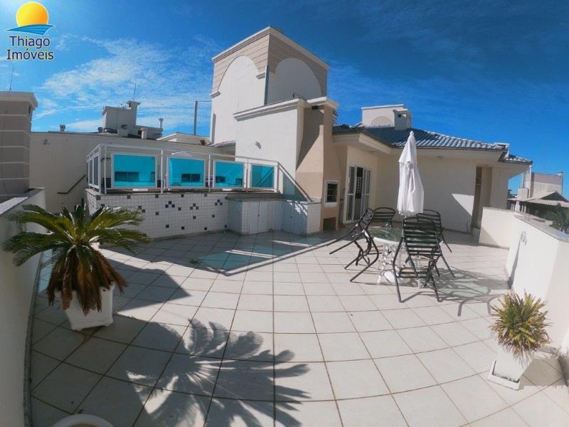 Cobertura com o Código 10005465 para alugar no bairro Canasvieiras na cidade de Florianópolis com 3 dormitorio(s) possui 2 garagem(ns) possui 2 banheiro(s)