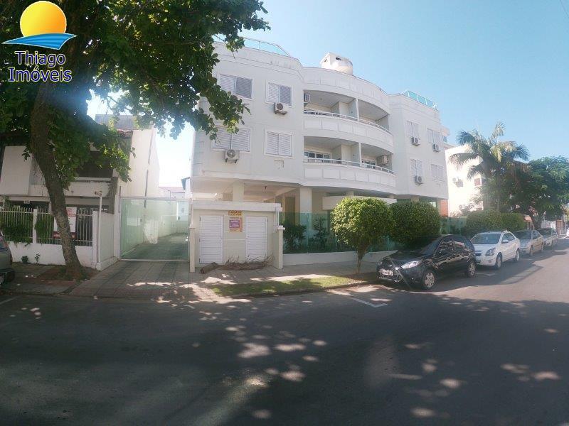 Cobertura com o Código 10004291 para alugar na temporada no bairro Canasvieiras na cidade de Florianópolis com 2 dormitorio(s) possui 1 garagem(ns) possui 2 banheiro(s)