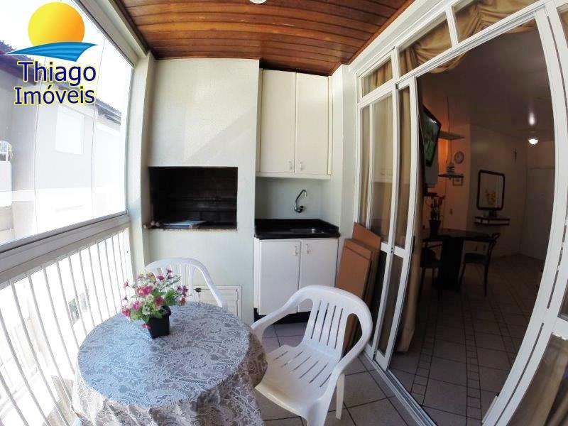 Apartamento com o Código 10008343 para alugar na temporada no bairro Canasvieiras na cidade de Florianópolis com 1 dormitorio(s) possui 1 garagem(ns) possui 1 banheiro(s) com área de 51,20 m2