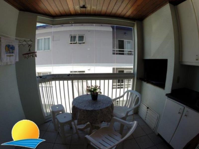 Apartamento com o Código 10004157 para alugar na temporada no bairro Canasvieiras na cidade de Florianópolis com 1 dormitorio(s) possui 1 garagem(ns) possui 1 banheiro(s) com área de 51,20 m2