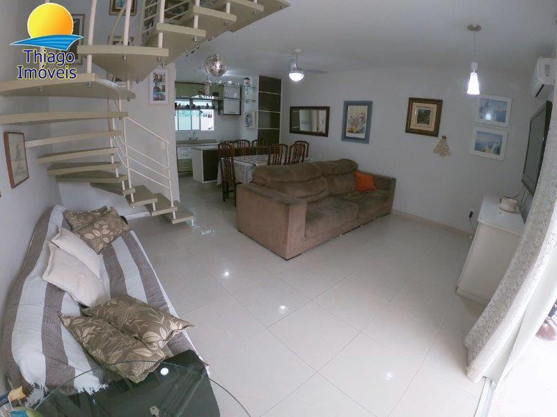 Apartamento com o Código 3716 para alugar na temporada no bairro Canasvieiras na cidade de Florianópolis com 2 dormitorio(s) possui 1 garagem(ns) possui 3 banheiro(s)