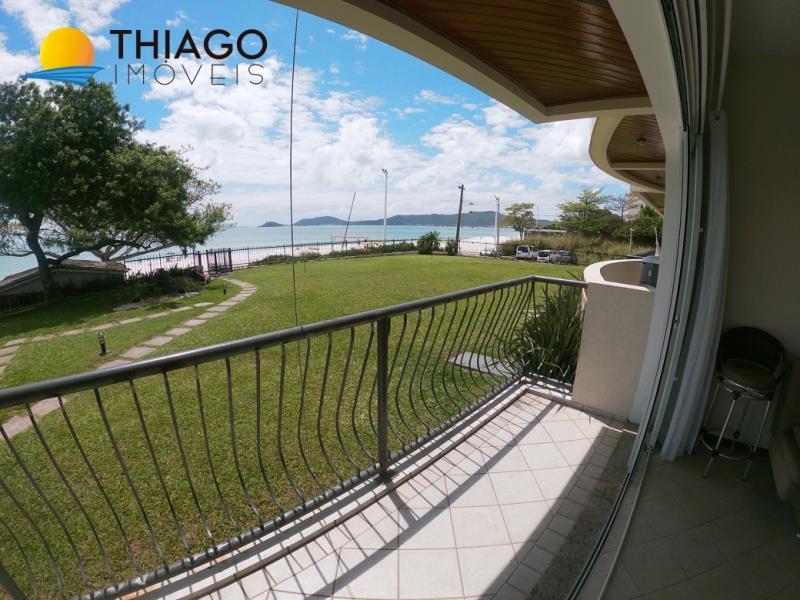 Apartamento com o Código 10003279 para alugar na temporada no bairro Canasvieiras na cidade de Florianópolis com 2 dormitorio(s) possui 1 garagem(ns) possui 2 banheiro(s)