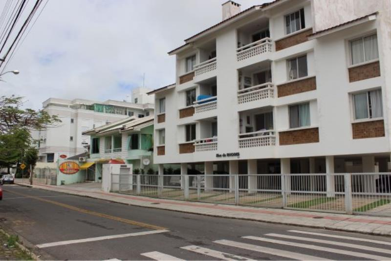 Apartamento com o Código 10002964 para alugar na temporada no bairro Canasvieiras na cidade de Florianópolis com 2 dormitorio(s) possui 1 garagem(ns) possui 2 banheiro(s) com área de 65,00 m2