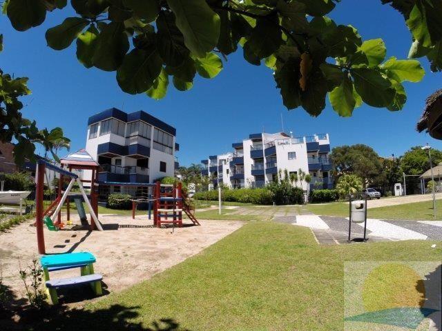 Apartamento com o Código 10002959 para alugar no bairro Canasvieiras na cidade de Florianópolis com 2 dormitorio(s) possui 1 garagem(ns) possui 2 banheiro(s)