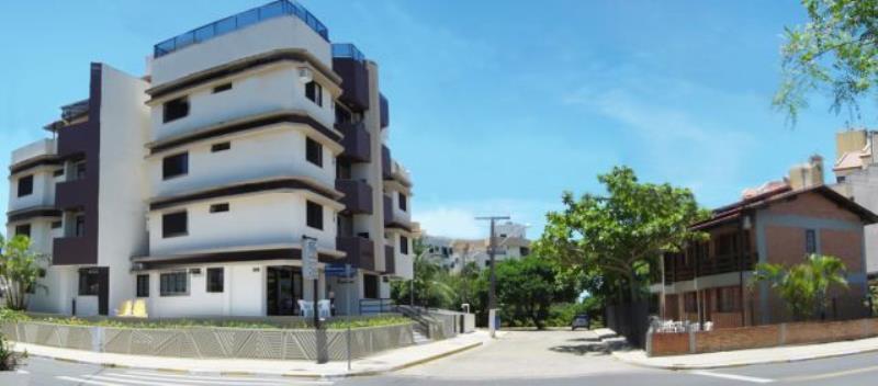 Casa com o Código 10002927 para alugar na temporada no bairro Canasvieiras na cidade de Florianópolis com 4 dormitorio(s) possui 2 garagem(ns) possui 3 banheiro(s)