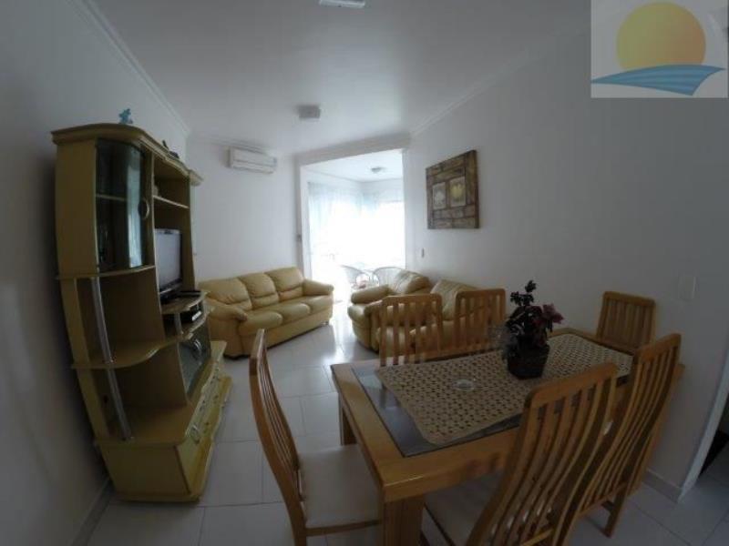 Apartamento com o Código 10002864 para alugar na temporada no bairro Canasvieiras na cidade de Florianópolis com 2 dormitorio(s) possui 1 garagem(ns) possui 2 banheiro(s)
