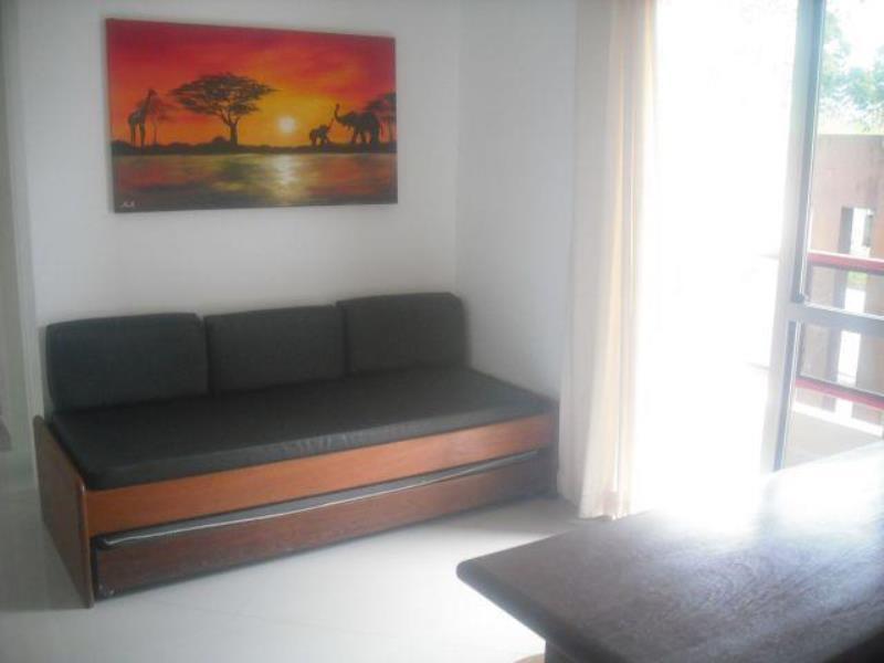 Apartamento com o Código 10002643 para alugar no bairro Cachoeira do Bom Jesus na cidade de Florianópolis com 1 dormitorio(s) possui 1 garagem(ns) possui 1 banheiro(s)