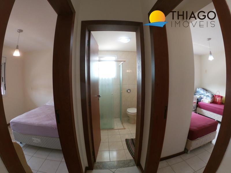 Cobertura com o Código 2585 à Venda no bairro Canasvieiras na cidade de Florianópolis com 2 dormitorio(s) possui 1 garagem(ns) possui 2 banheiro(s)