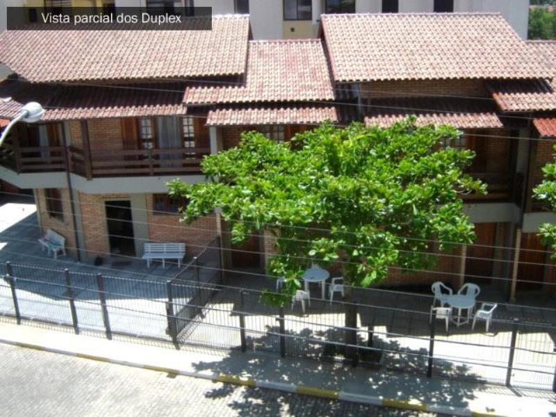 Cobertura Duplex com o Código 10002432 para alugar na temporada no bairro Canasvieiras na cidade de Florianópolis com 2 dormitorio(s) possui 2 banheiro(s)