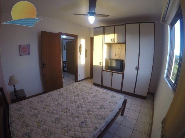 Apartamento com o Código 10001086 para alugar no bairro Cachoeira do Bom Jesus na cidade de Florianópolis com 3 dormitorio(s) possui 1 garagem(ns) possui 2 banheiro(s)