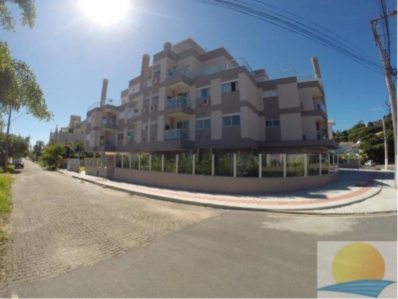 Apartamento com o Código 153 para alugar no bairro Canasvieiras na cidade de Florianópolis com 2 dormitorio(s) possui 1 garagem(ns) possui 2 banheiro(s) com área de 77,18 m2