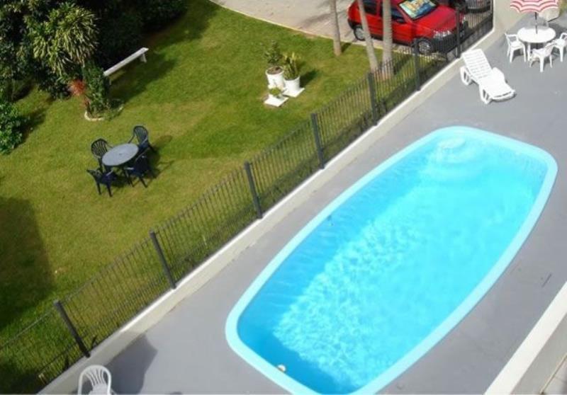 Cobertura com o Código 10000997 para alugar na temporada no bairro Canasvieiras na cidade de Florianópolis com 2 dormitorio(s) possui 1 garagem(ns) possui 2 banheiro(s)