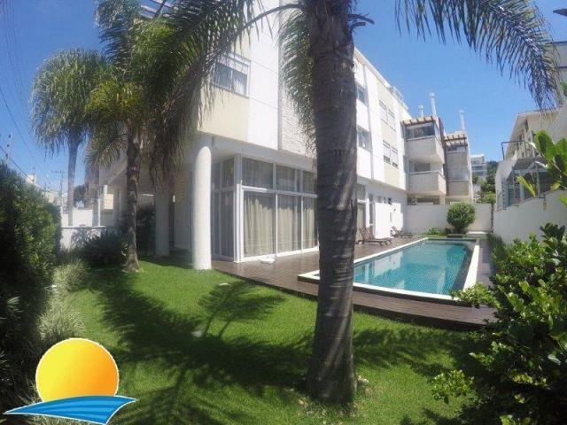 Cobertura com o Código 10001179 para alugar no bairro Canasvieiras na cidade de Florianópolis com 3 dormitorio(s) possui 2 garagem(ns) possui 3 banheiro(s)