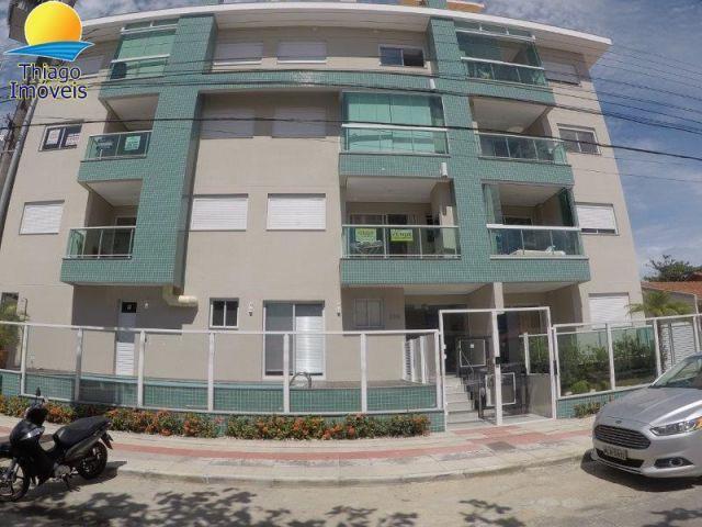 Apartamento com o Código 10001773 para alugar na temporada no bairro Canasvieiras na cidade de Florianópolis com 2 dormitorio(s) possui 1 garagem(ns) possui 2 banheiro(s)