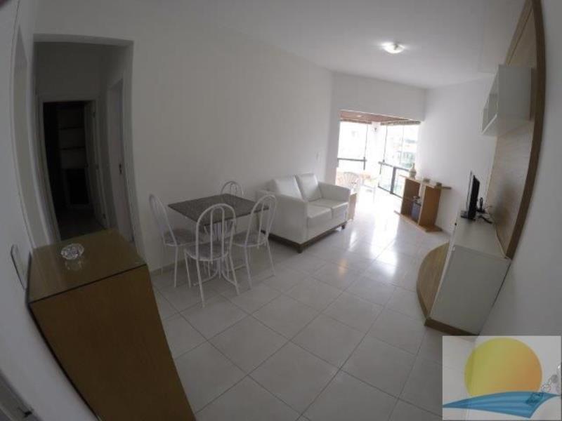 Apartamento com o Código 10014454 para alugar na temporada no bairro Canasvieiras na cidade de Florianópolis com 2 dormitorio(s) possui 2 garagem(ns) possui 2 banheiro(s)