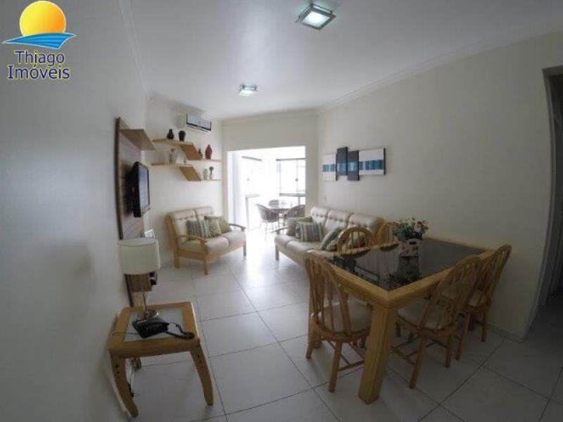 Apartamento com o Código 10014467 para alugar na temporada no bairro Canasvieiras na cidade de Florianópolis com 2 dormitorio(s) possui 1 garagem(ns) possui 2 banheiro(s)