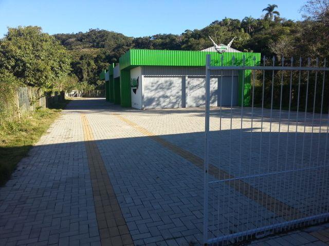 Galpão com o Código 10008186 à Venda no bairro Ratones na cidade de Florianópolis