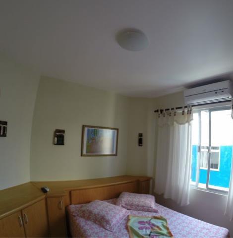 Apartamento com o Código 10008327 para alugar na temporada no bairro Canasvieiras na cidade de Florianópolis