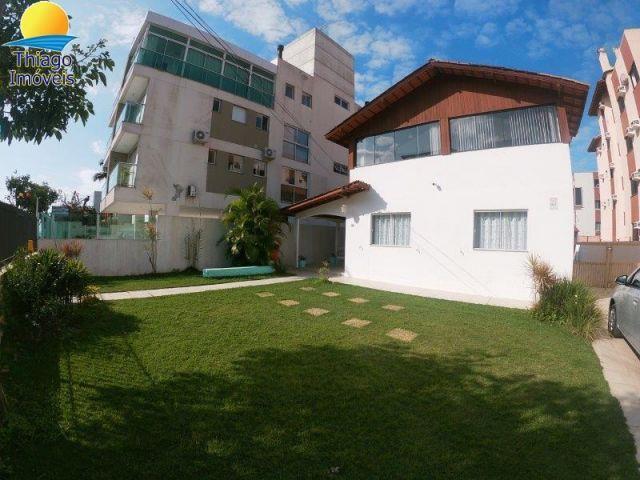 Apartamento com o Código 10001864 para alugar no bairro Canasvieiras na cidade de Florianópolis com 2 dormitorio(s) possui 1 garagem(ns) possui 2 banheiro(s)